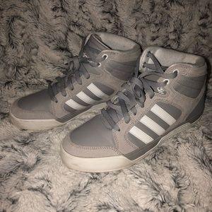 Grey Adidas NEO BBadidas Raleigh mid shoes